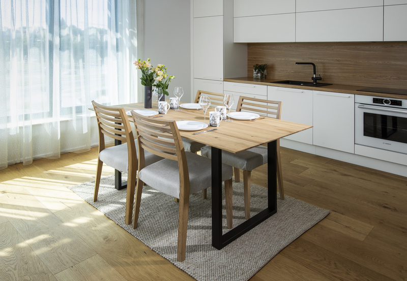 lankkupöytä, lankkupöytä ale, lankkupöytä jalat, lankkupöytä metallijalat, lankkupöytä metallijaloilla, lankkupöytä ulos, mukavat ruokapöydän tuolit, ruokapöydän tuolit puu, ruokapöydän tuolit käsinojilla, ruokapöydän tuolit metalli,