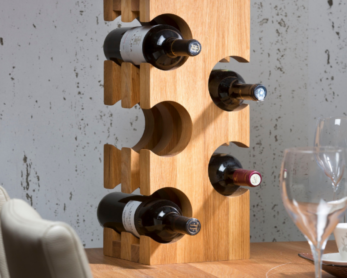 wine rack, viinipulloteline, viiniteline, wine shelf, viinihylly, wine bottle rack for the wall, viinipulloteline seinälle, wine bottle rack on the floor, viinipulloteline lattialle, wine bottle rack wooden, viinipulloteline puinen, wine bottle rack on the table, viinipulloteline pöydälle, wine bottle rack on the shelf, viinipulloteline hyllyyn, wooden wine rack, puinen viiniteline, wine bottle rack to the wall