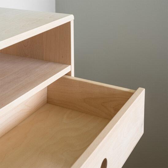 puinen yöpöyta, yöpöyta