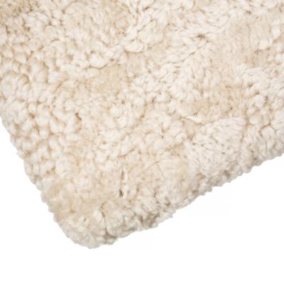 Luonnonvärinen aito lampaankarva